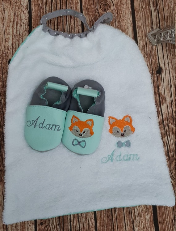 Birth pack to customize: slippers and bib, fox water green