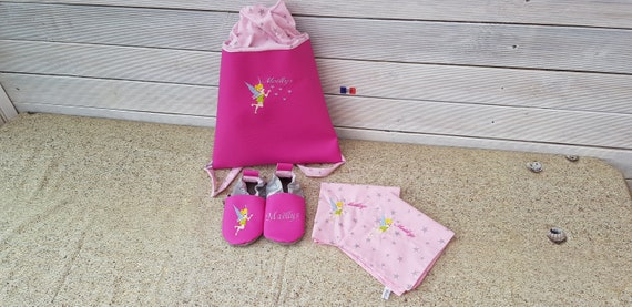 Set consisting of a maternal backpack, a canteen towel duo and a pair of soft slippers