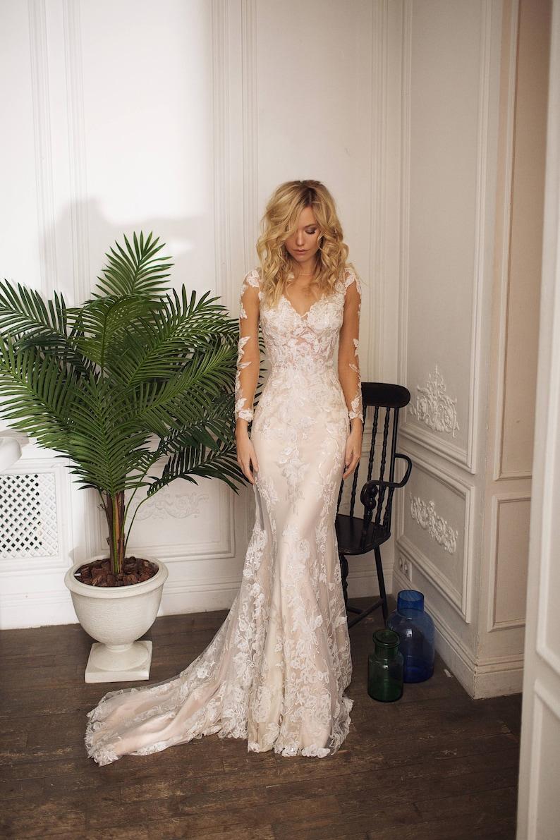 Lace wedding dress Drafne low back wedding dress illusion image 2