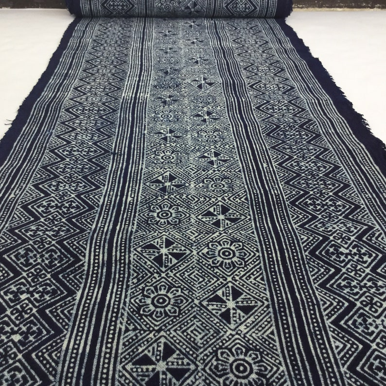 F3 Shock Price!!!! 2.50 Meters long handwoven Hmong cotton Indigo Batik fabric,vintage style cotton textiles Table runner from Thailand