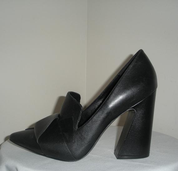Vintage Black Leather Ladies Shoes Funky Heels Siz
