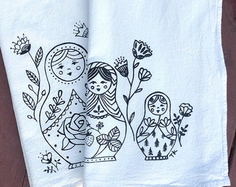 matreshka, babushka, russian nesting dolls, folk tea towel, pretty towel, floral, whimsical, traditional Russian Slavic art, gifts under 15