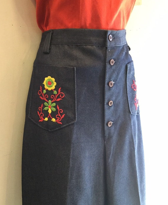 Embroidered Button Fly Denim Jeans 1960's High Wai