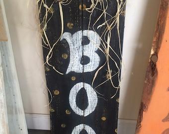 Halloween boo pallet sign