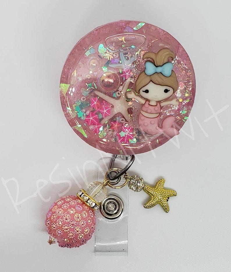 Mermaid and starfish circle shaker badge reel
