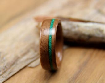 Bentwood Ring - Walnut with Offset Malachite Inlay- Handcrafted wooden ring