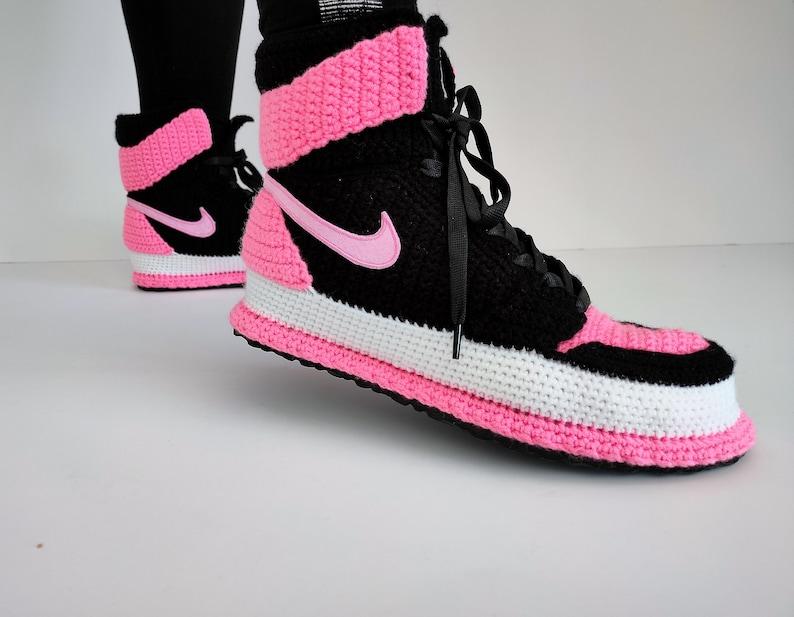Air Jordan 1 Mid Black Pink Crochet