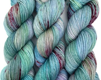 """Hand Dyed Yarn """"Shark Attack in the Blue Lagoon"""" Blue Green Turquoise Aqua Pink Red Speckled Merino Nylon Fingering Sock SW 437yds 100g"""