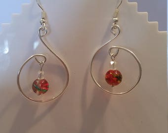 Wire Hoop earings with central dangling bead