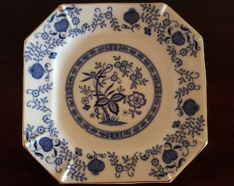 Blue Onion Porcelain Square Luncheon Plate by Kanesho Japan