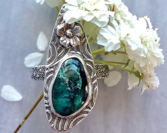 Aphrodite Collection: Green Emerald City Variscite Ring, Green Stone on Spiral and Swirly Patterned Setting, Comfortable Elegant Band