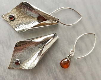 Garnet and Hammered Curled Leaf Silver Earrings, Artisanal Big Earrings, Organic Shape Jewelry, Botanical Jewelry, Large Garnet Dangles