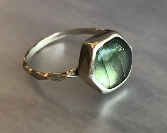 Hexagonal Green Labradorite Ring with Fine Diamond-Patterned Band, Sterling Silver Labradorite Stackable Hexagon Ring