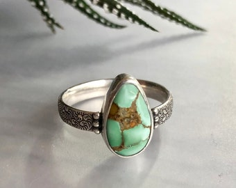 Aphrodite Collection: Green Treasure Mountain Turquoise Ring, Everyday Elegant Refined Natural Look, Green Hubei Turquoise on Patterned Band