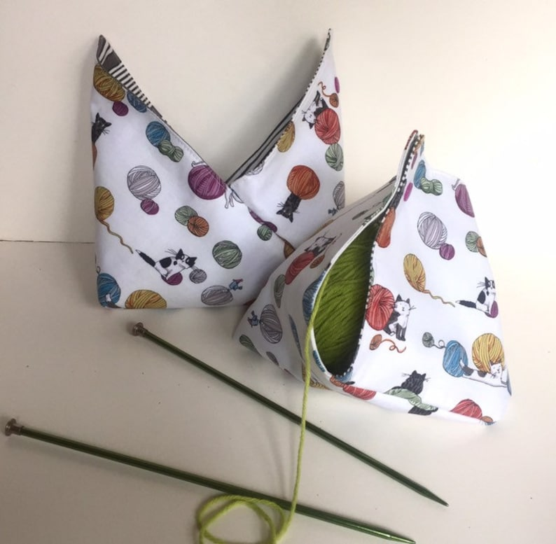 Snap closure Tiny Bento Style Knitting Project Bag Kittens Chasing Yarn fabric keeps your ball or cake of yarn tangle free