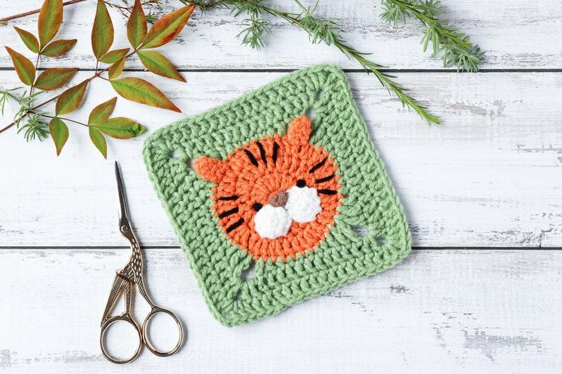 Crochet tiger square pattern // Tiger granny square motif // image 0