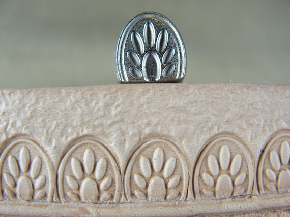 Lined Paw Print Border Stamp James Linnell Leather Stamping Tool