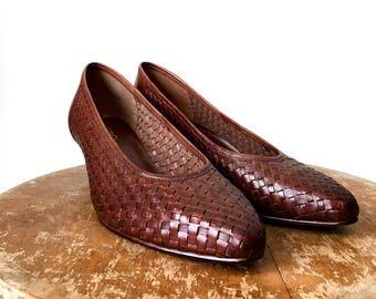 f01172d655c3 Low heel shoes