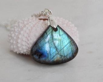 Labradorite necklace blue labradorite pendant flashy labradorite gemstone necklace for girlfriend minimal necklace labradorite jewelry gift