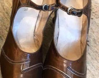 Genuine 1920s   Brown leather shoes