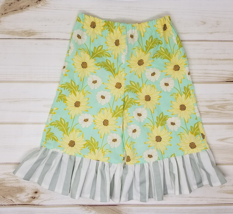 Girls 3T  Ruffle Pants / Capris  Aqua with White and Yellow image 0