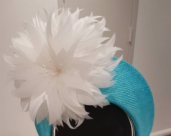 Turquoise and ivory blocked crown / hat / fascinator / headpiece ideal for the races, fashions on the field