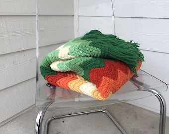 1970s Retro Green Crochet Afghan Knitted Blanket with Fringe.Knit Blanket Mint Green Vintage Bed Throw.Crochet Blanket Thick Knit Chevron