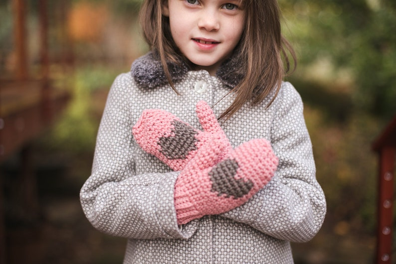 Heart Mittens Crochet PATTERN for Kids and Adults image 0