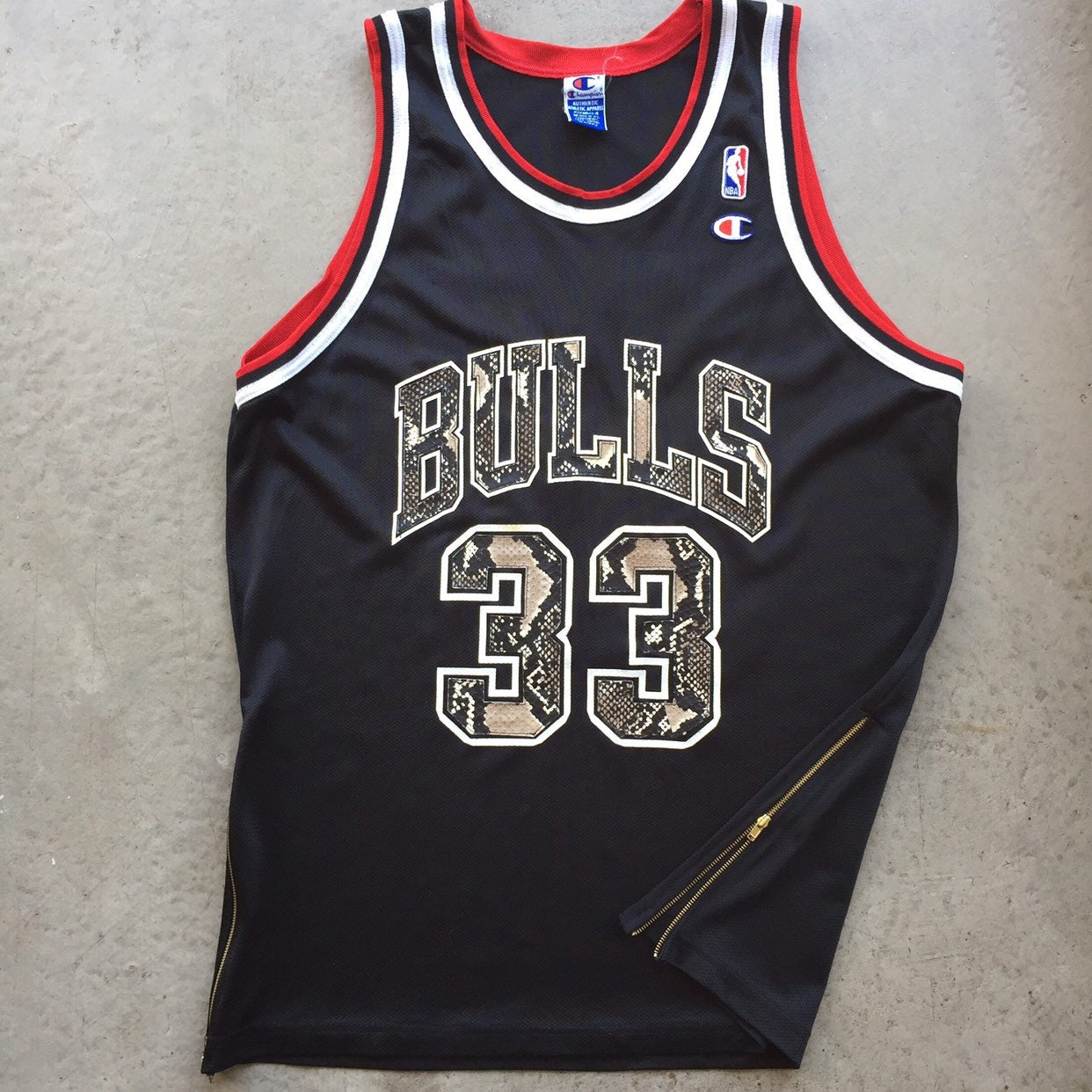 new arrival 404d0 8fa80 Custom Scottie Pippen Jersey Size Large Chicago Bulls Vintage Like New Mint  Condition