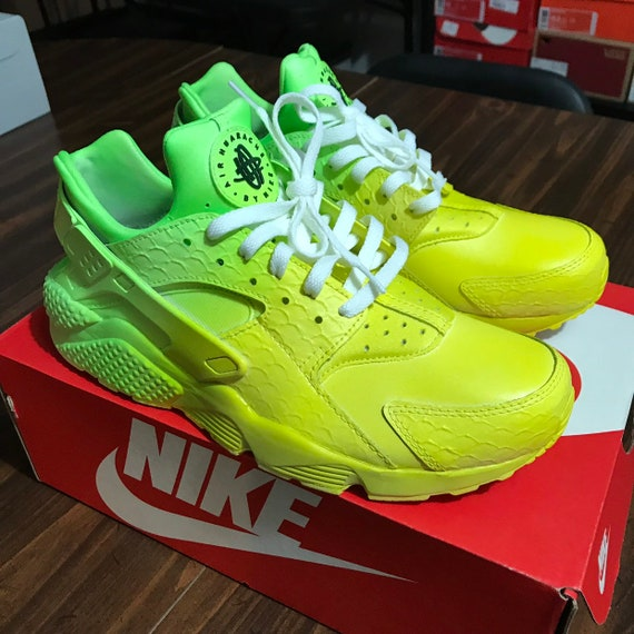 713ff8996a85 Custom Shoes Nike Huarache    Air Force 1 One Adidas Vans