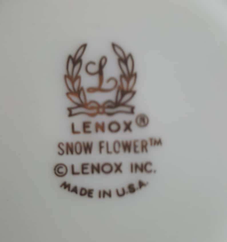 Set of 12 LENOX Snow Flower Teacups and Saucer Set 24 Piece Embossed White  Flowers and Leaves on Ivory Wedding Gift Set Luxury Dinnerware