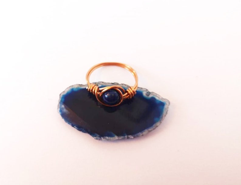cool jewellery crystal ring minimalist ring boho ring bohemian ring Wire Wrapped Copper ring Blue lapis lazuli crystal copper ring