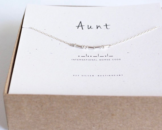 Dainty Aunt Necklace on Silver