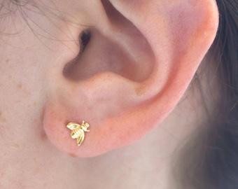 14K Gold bee stud earrings - Dainty earrings - Gold stud earrings - Honey bee Earrings -Bee jewelry - Honey bee jewelry - Bumble bee Jewelry