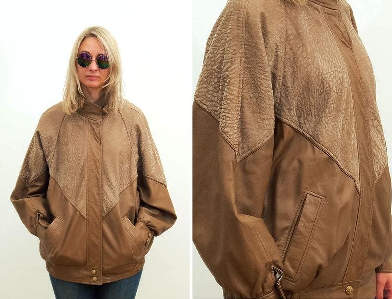 cheaper d69d1 2748c Vintage Damen Leder Jacke / 90er Jahre Leder Jacke / hellbraun Beige /  Wildlederjacke / Boho / Größe: Mittel - groß / UK 10-12 / EU 38-40