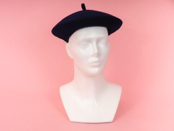 Vintage blue felt beret/ British Flat Hat - Navy W