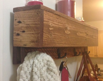 Reclaimed Pallet wood Coat rack / Shelf