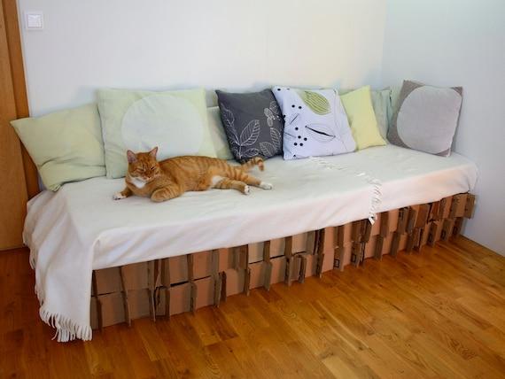 sommier en carton structure de lit ou de canap en carton. Black Bedroom Furniture Sets. Home Design Ideas