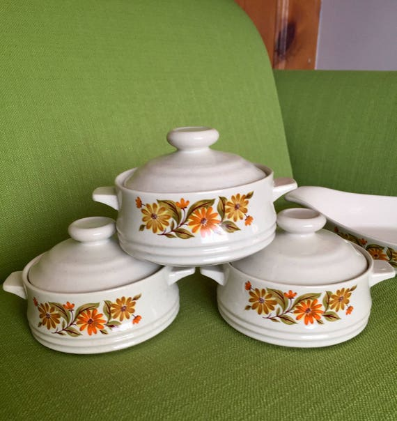 Vintage 70s 7 Piece Capri Bake Serve N Store Stoneware Set