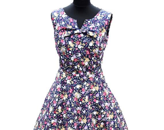 Vintage Dress/Vintage Print/Floral Vintage Dress/Tea Length Dress/1950's Dress,/1960's Dress/Wedding Guest Dress