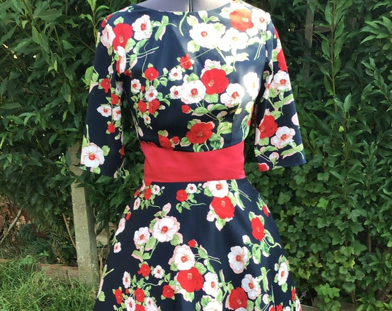 Vintage Dress/50s dress/Cotton Dress/ Vintage Clothing /1950's Dress /1960's Dress /Tea Length  Dress