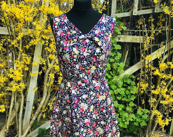 Vintage Dress/Vintage Print/Floral Vintage Dress/Tea Length Dress/1950's Dress,/1960's Dress/Wedding Guest Dress