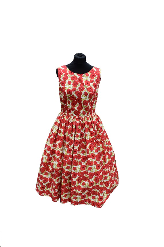 Vintage Dress/Vintage Print/50s dress/Red  flowers on Cream/Cotton Dress/ Vintage Clothing /1950's Dress /1960's Dress /Tea Length  Dress