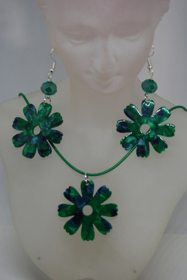 Handmade in the UK. Tortoishell Flower Necklace and Earring Set in Green and Blue