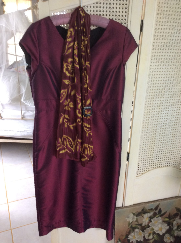 Vintage Scarf Styles -1920s to 1960s Reduced Vintage Silk Dress, Size 10, With Scarf Italian Designer, Plus Art Deco Celluloid Holder $7.35 AT vintagedancer.com