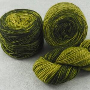magic ball hand dyed multicolor yarn Gerbera gradient handmade yarn cakes soft cotton-acrylic