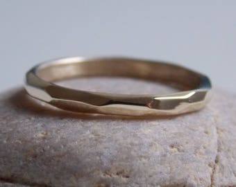 No.1 fine yellow gold ring 9 k faceted