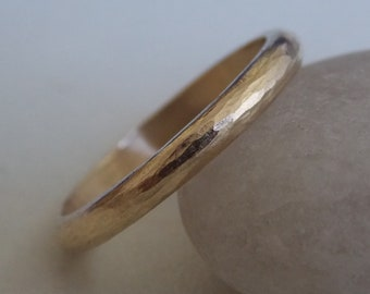 Yellow Gold with a hammered effect