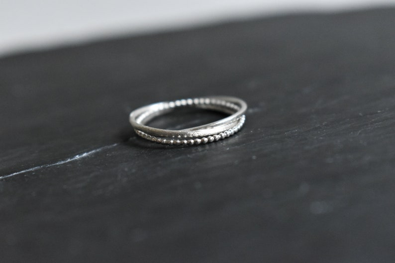 Ring 3 rings in silver and beaded thread
