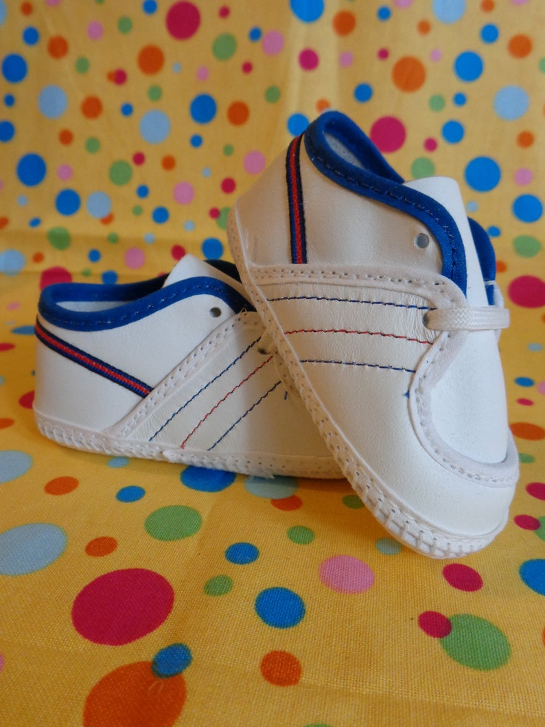843e8704aa489 Vintage Baby Shoes ~ Baby Deer Infant Shoes ~ Baby Boy Shoes ~ NOS ~ Unworn  ~ Size 0 ~ Retro Baby Shoes ~ 1980s